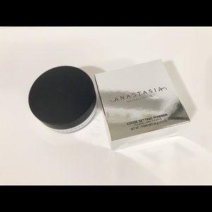 New Anastasia Beverly Hills loose setting powder